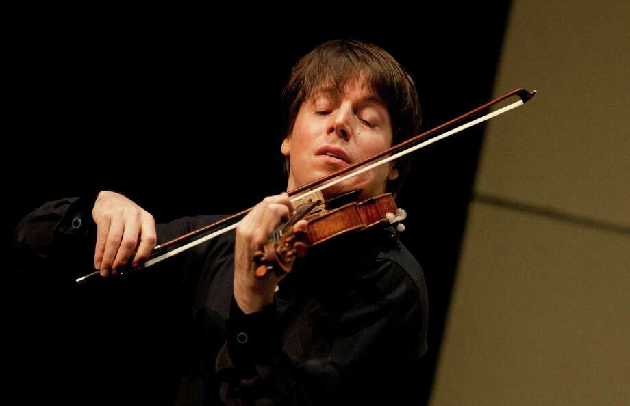 Violinist Joshua Bell will play with the Houston Symphony. Photo: Eric Kabik