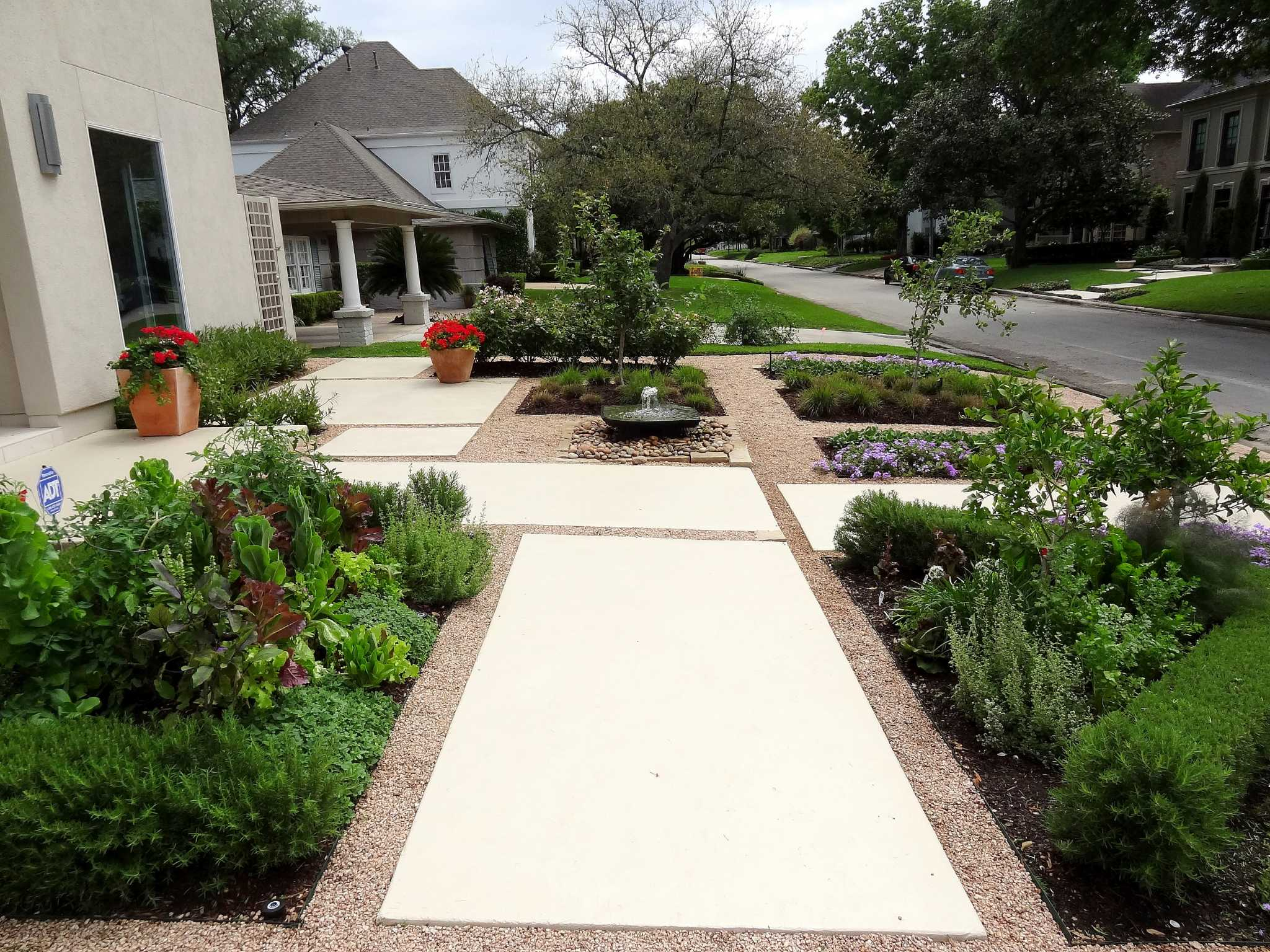 In The Garden With Urban Harvest: Cottage Gardens Go Clean, Contemporary    Houston Chronicle