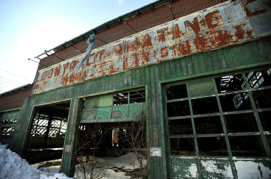 The derelict Contract Plating site at 540 Longbrook Avenue in Stratford, Conn. Photo: Brian A. Pounds / File Photo / Connecticut Post