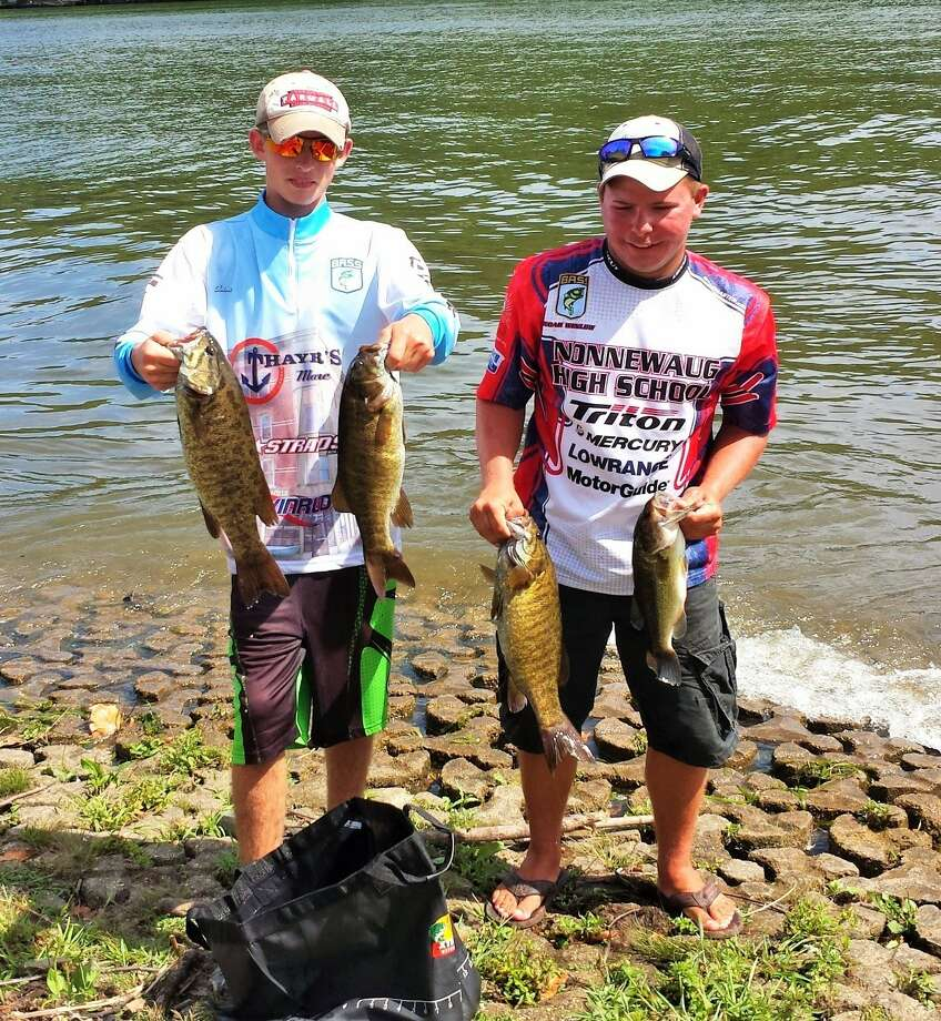 Local anglers win state high school fishing title for Bass fishing in ct