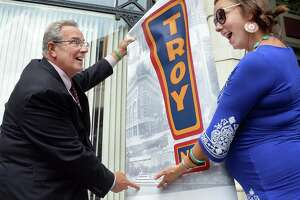 Troy hangs new banners downtown - Photo