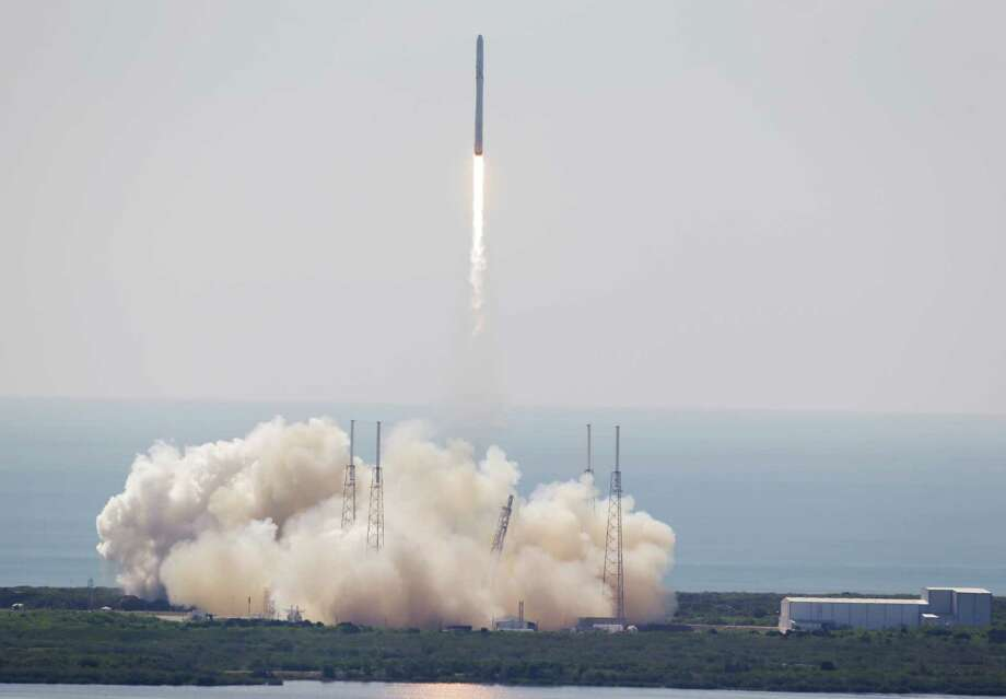 The SpaceX Falcon 9 rocket lifts off June 28 from Cape Canaveral, Fla. The rocket carrying supplies to the International Space Station broke apart shortly after liftoff.  Photo: John Raoux, STF / AP