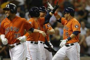 Astros roll to easy win over Twins - Photo