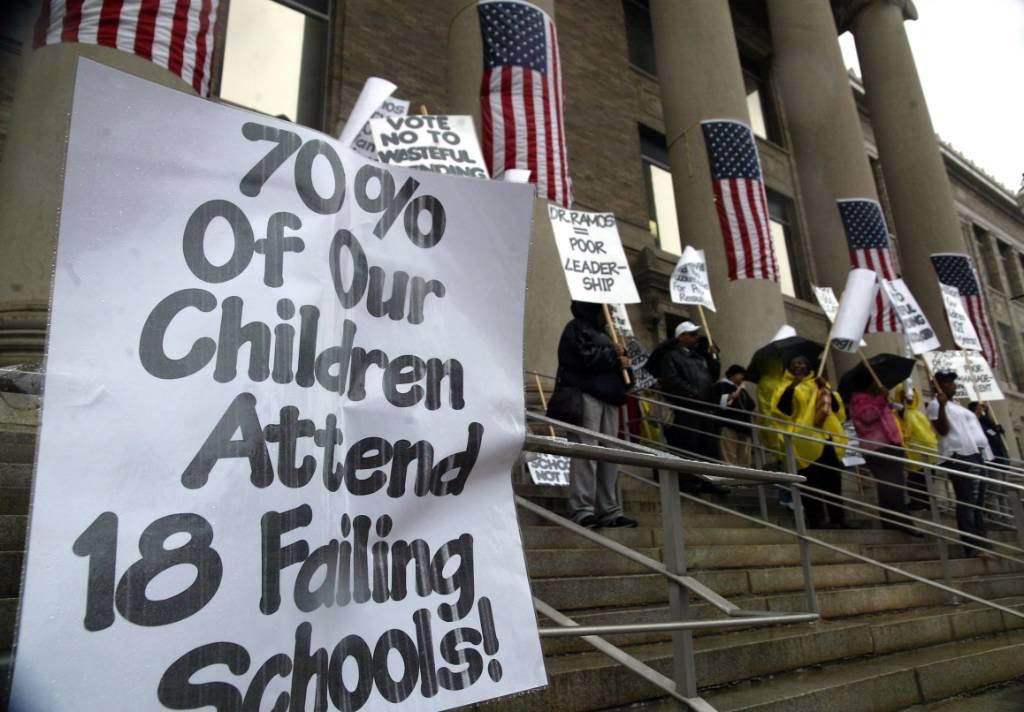 Education In Bridgeport, Connecticut - Demonstrators blast Bridgeport school officials - Connecticut Post