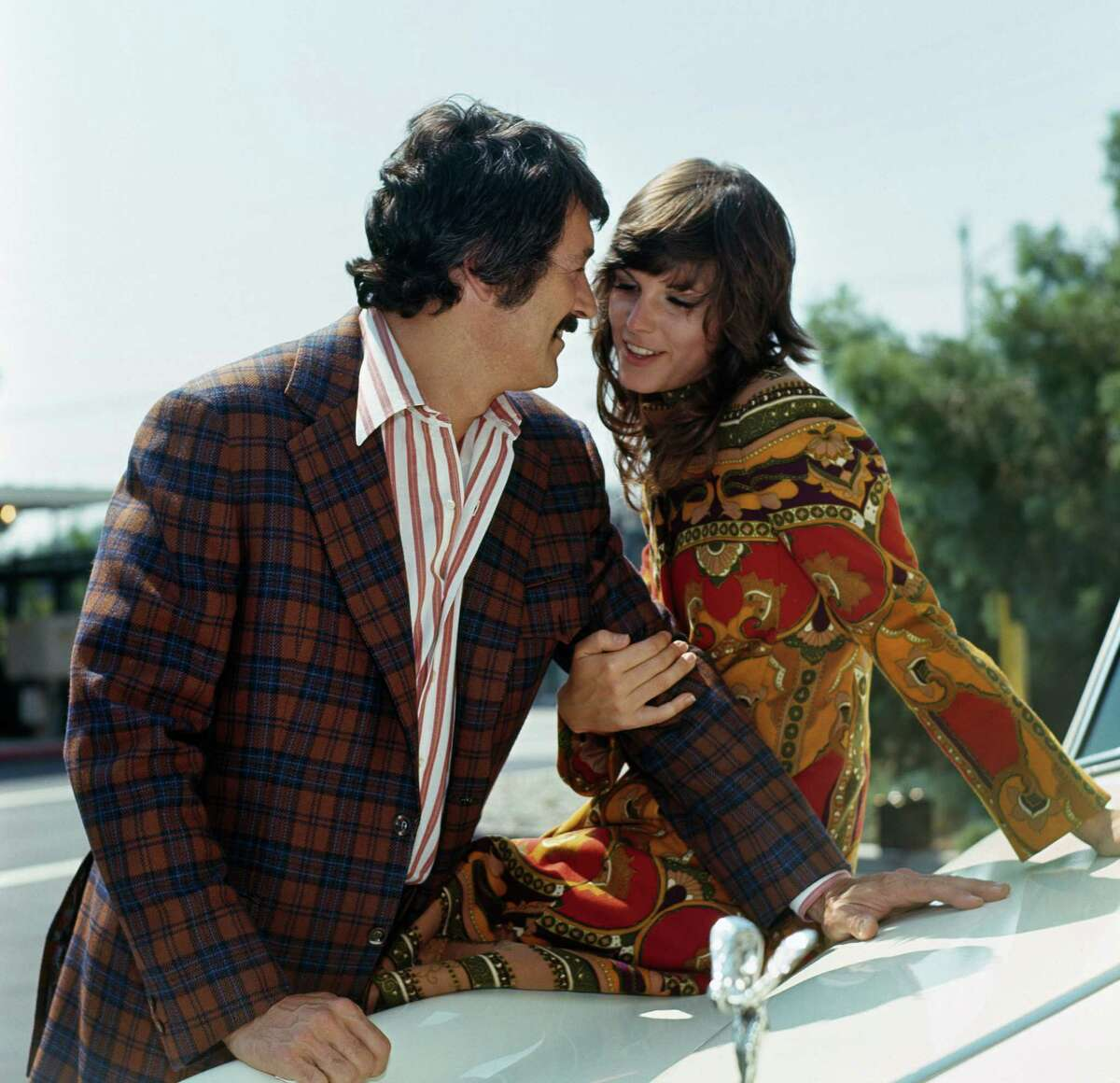 MCMILLAN AND WIFE -- Pictured: (l-r) Rock Hudson as Commissioner Stewart McMillan, Susan Saint James as Sally McMillan -- Photo by: NBCU Photo Bank