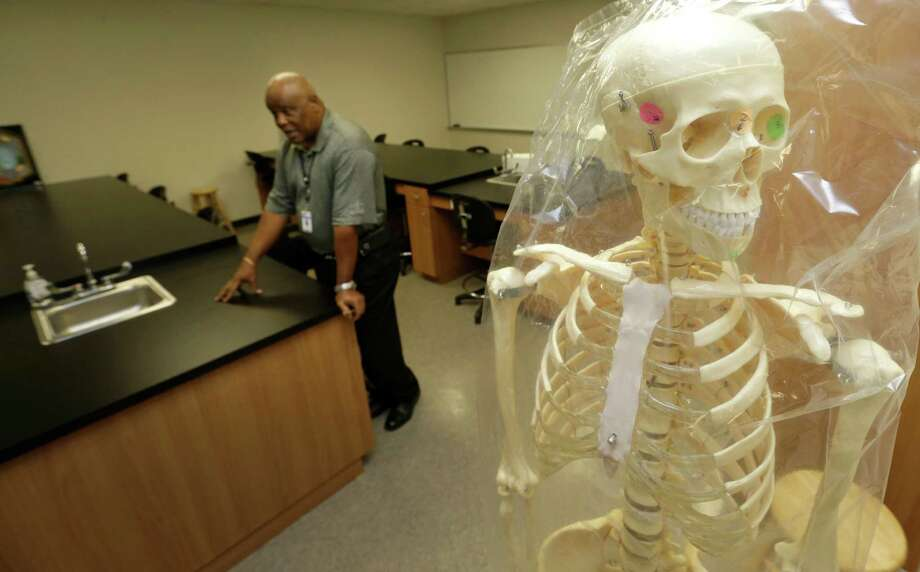 A room originally planned to be a science lab can only be used as a biology classroom after it was not built up to code to serve as a chemistry lab, and plans to expand HCC's facilities in North Forest have been delayed multiple times. Photo: Melissa Phillip, Staff / © 2015 Houston Chronicle