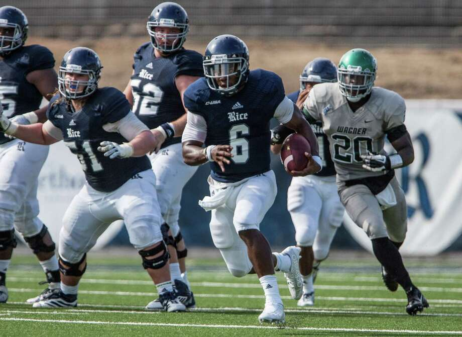 Driphus Jackson carries the ball during a game against Wagner Saturday September 5th, 2015. The Rice Owls defeated the Wagner Seahawks 56-16. Photo: Michael Starghill, Jr. / © Michael Starghill, Jr.