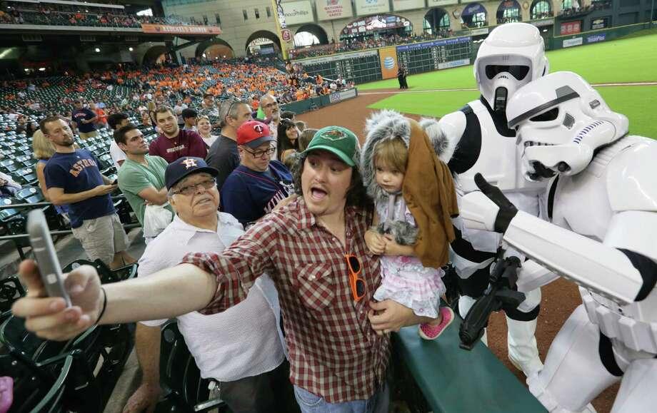 Minute Maid Park, Sept. 6, 2015. Photo: Jon Shapley, Houston Chronicle / © 2015 Houston Chronicle