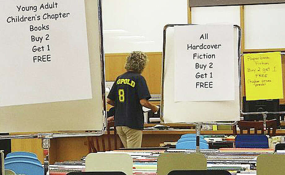 Bargains will again be on offer during this year's Back-to-School Book Sale at the Fairfield Public Library. Photo: File Photo / File Photo / Fairfield Citizen