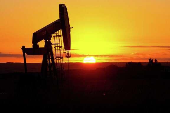 An oil well near Tioga, North Dakota. ( AFP PHOTO / Karen BLEIER / FILESKAREN BLEIER/AFP/Getty Images)