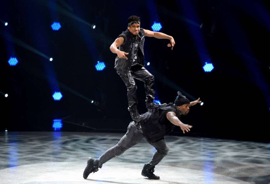 SO YOU THINK YOU CAN DANCE: L-R: Top 4 contestant Vigil Gadson and all-star Joshua Allen perform a Hip-Hop routine choreographed by Pharside & Phoenix on SO YOU THINK YOU CAN DANCE airing Monday, September 7 (8:00-10:00 PM ET live/PT tape-delayed) on FOX. ©2015 FOX Broadcasting Co. Cr: Michael Becker