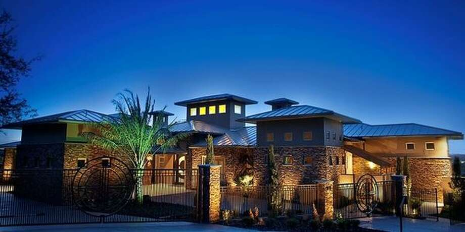 Where the wealthy live...ZIP Code:78255Neighborhoods:The Canyons at Scenic Loop, Cross Mountain, Terra Mont, River Rock RanchMedian household income:$111,307Avg. home sales price:$367,473This property: 8622 Terra Mont Way Photo: Courtesy, Keith Norman Via MySA.com