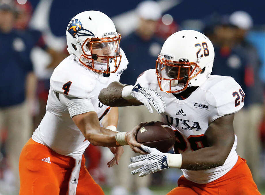UTSA quarterback Blake Bogenschutz is coming off a record-setting game vs. Arizona last week. He will guide the Roadrunners in a huge home test vs. Kansas State. Photo: Rick Scuteri /Associated Press / FR157181 AP