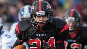 Fairfield Warde running back Bryan Azarian ran for 185 yards and two touchdowns last season.