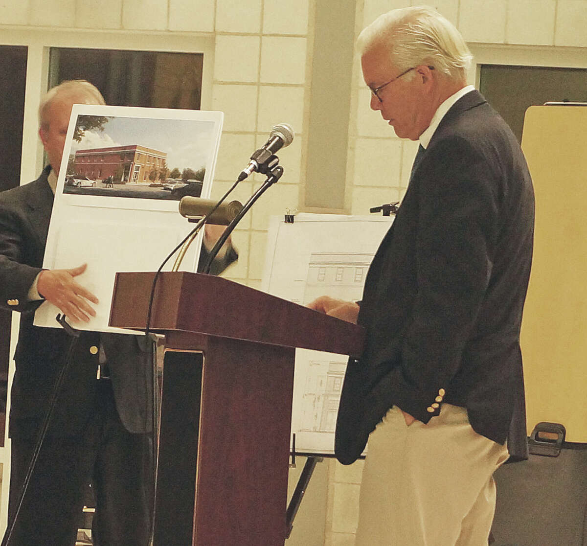 Architect Jack Franzen explains the plans for a medical office building at the former Blinn's at Tuesday's Town Plan and Zoning Commission public hearing.
