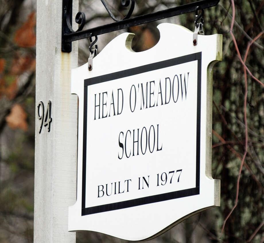 File photo of Head O'Meadow Elementary School in Newtown. Photo: Carol Kaliff / Carol Kaliff / The News-Times