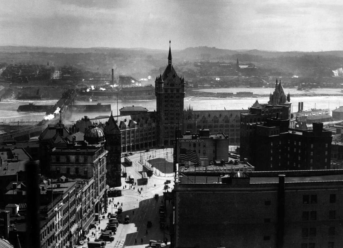 The Delaware & Hudson Building, Hampton Hotel, State Street and the Rensselaer shoreline and Maiden Lane Bridge, Nov. 19, 1930, in Albany, N.Y. (Times Union archive)