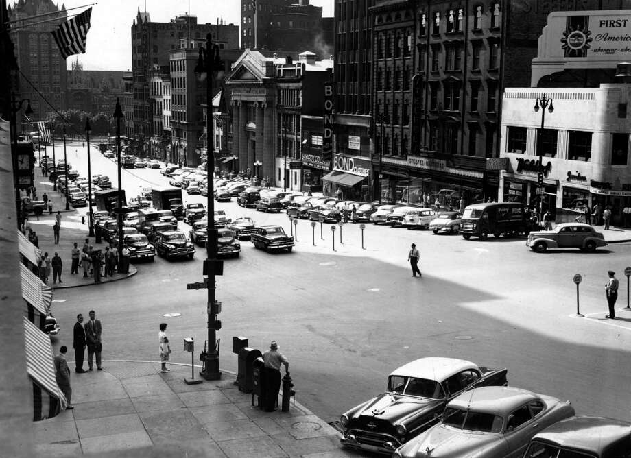 State Street at Pearl with traffic officers June 14, 1954, in Albany, N.Y.  (Times Union archive)