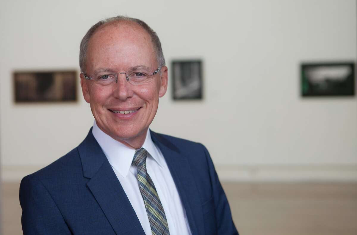 Charles Desmarais will become the art critic of the San Francisco Chronicle in November. He has been president of the San Francisco Art Institute for the past four years.