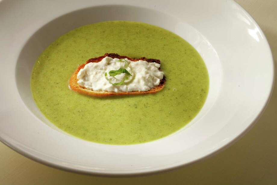 Basil zucchini soup with cheese toast Photo: Craig Lee /For The San Francisco Chronicle / ONLINE_YES