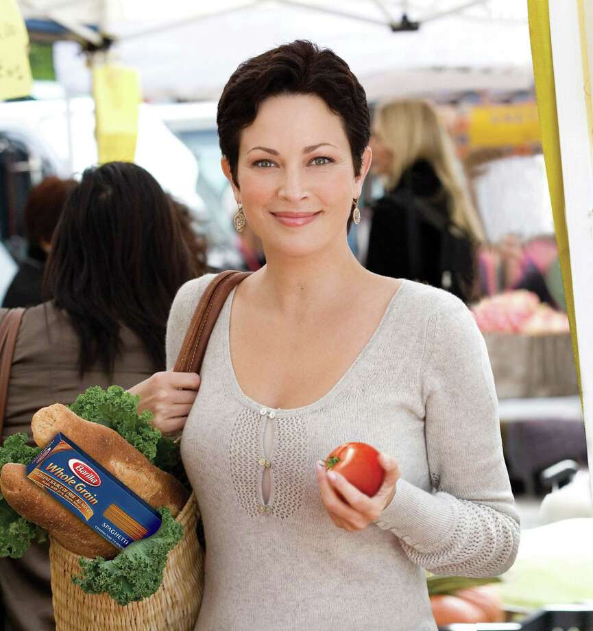 Chef, author and registered dietitian Ellie Krieger   (PRNewsFoto/Barilla) ORG XMIT: MER2015090314183393 / BARILLA