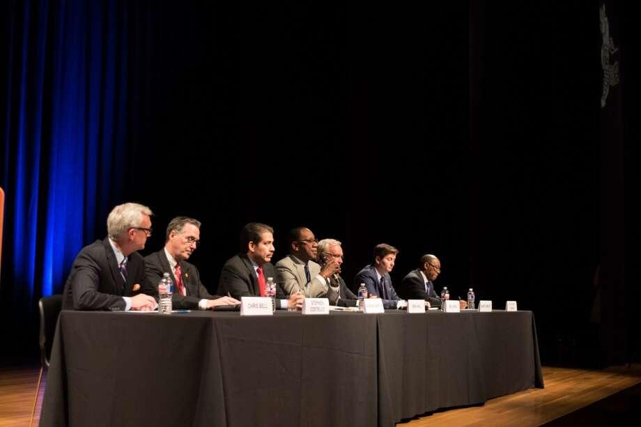 Uno de los foros en el que los siete principales candidatos a la Alcaldía se reunieron fue el que organizó en junio la Sociedad Asiática de Houston. Photo: Jamaal Ellis, Para El Houston Chronicle