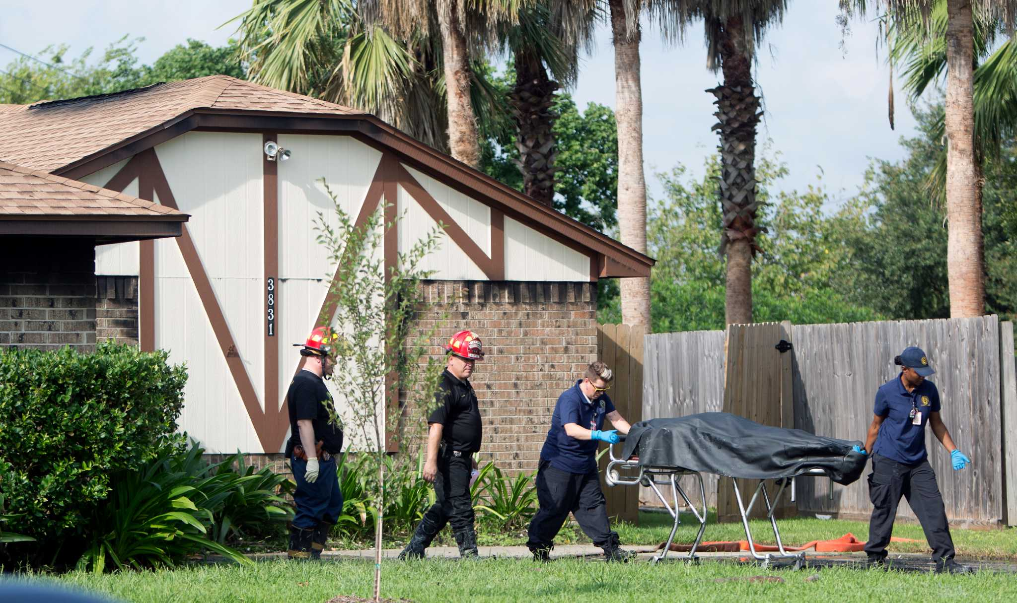 Dad and son 5 die in la porte house fire houston chronicle for La porte tx city hall