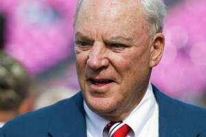 Texans owner Bob McNair knows team has to improve at QB - Photo