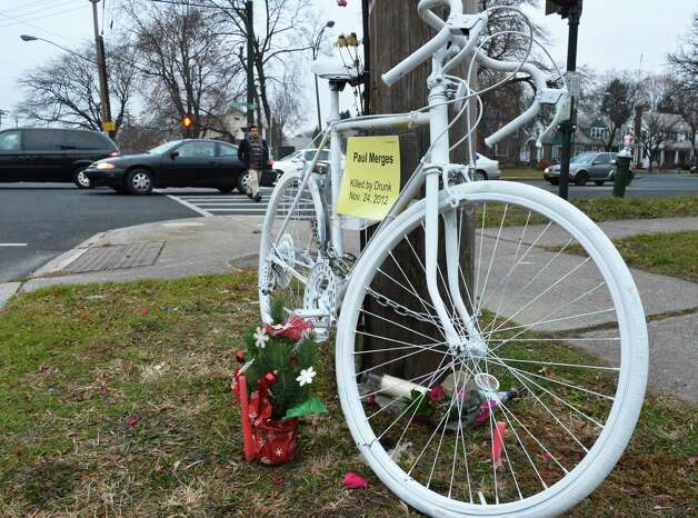 A ghost bike memorial for Paul Merges at the corner of Manning Blvd. and Washington Ave. in Albany Tuesday Dec. 4, 2012. (John Carl D'Annibale / Times Union) ORG XMIT: MER2014100112254611 Photo: John Carl D'Annibale / 00020357A
