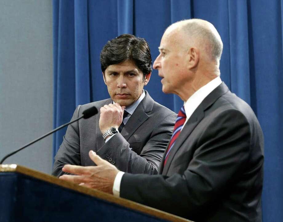 Senate President Pro Tem Kevin de Leon and Gov. Jerry Brown. Photo: Rich Pedroncelli, AP / AP