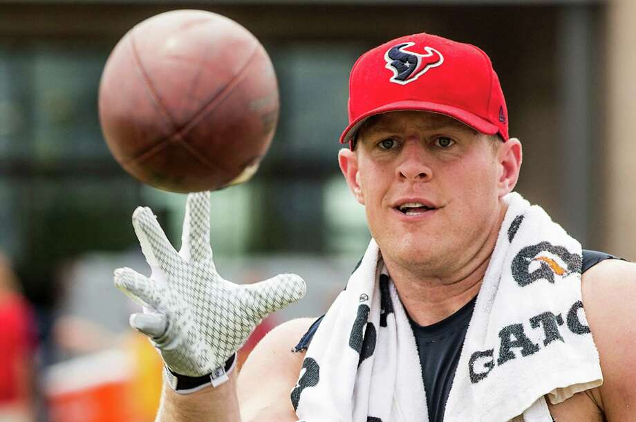 There's no doubt Texans defensive end J.J. Watt will keep his eye on the ball (and the quarterback) Sunday. Photo: Brett Coomer, Staff / © 2015 Houston Chronicle