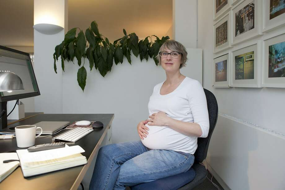 A pregnant women is not getting any support from her husband. Photo: Nicola Tree