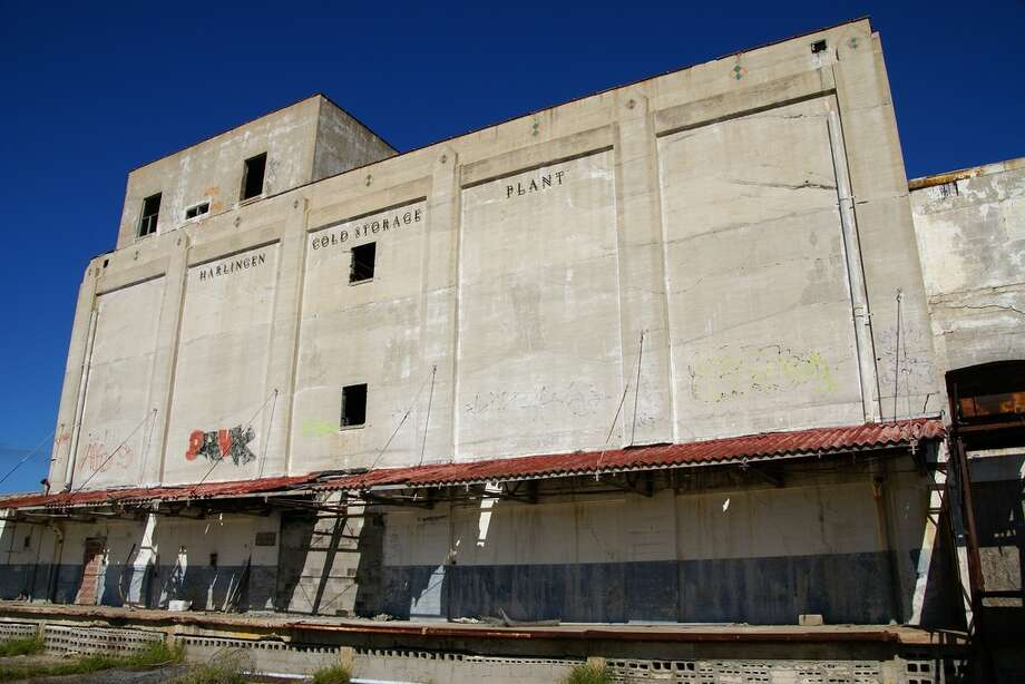 Flickr user Nitram 242 captured these photos of the abandoned Harlingen Cold Storage Plant, located in the Rio Grande Valley. Since it was abandoned, the plant has been a jungle gym for pesky teenagers, a canvas for graffiti fans and an eyesore for locals. Photo: Nitram242/Flickr