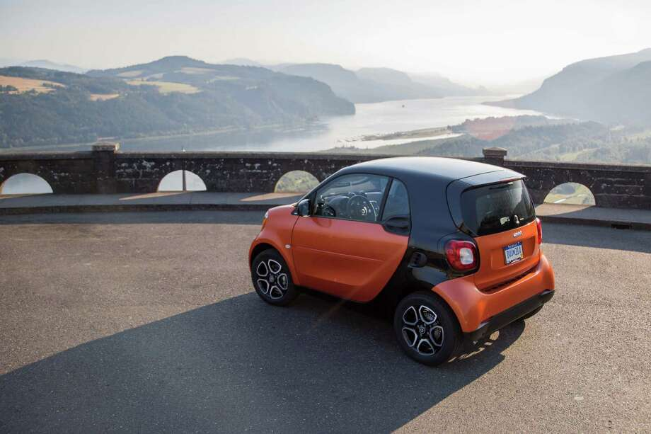 The new version gets more width, more standard and optional equipment, more powertrain options and it comes in more exciting colors. Photo: Smart