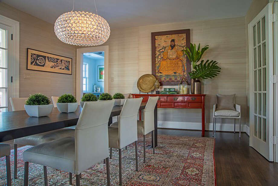 A silk rug in a Washington dining room designed by Annie Elliott. Illustrates DESIGN-RUGS (category l), by Jura Koncius, (c) 2015, The Washington Post. Moved Thursday, September 10, 2015. (MUST CREDIT: Washington Post photo by Michael K. Wilkinson for Bossy Color.) Photo: HANDOUT, STR / Washington Post / THE WASHINGTON POST