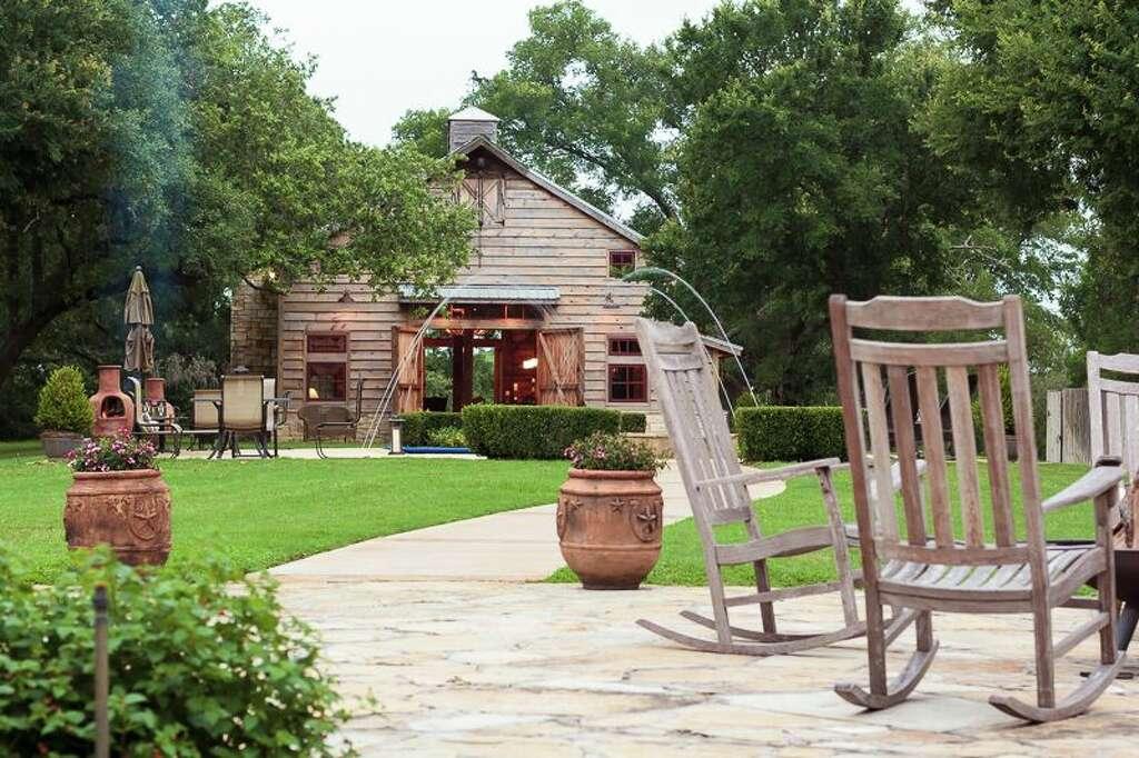 The Centerpiece Of Hoppe Lone Star Ranch Is Historic Barn Photo Deitra