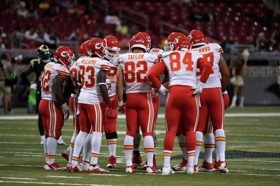 Members of the Kansas City Chiefs huddle during the fourth quarter of an NFL preseason football game between the St. Louis Rams and the Kansas City Chiefs Thursday, Sept. 3, 2015, in St. Louis. The Chiefs won 24-17. (AP Photo/L.G. Patterson) Photo: L.G. Patterson, FRE / FR23535 AP