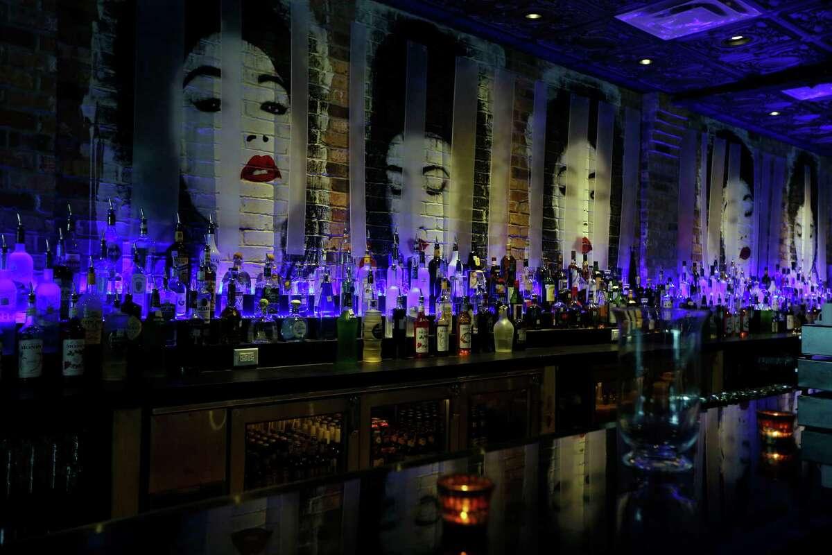 The bar at Tarakaan.