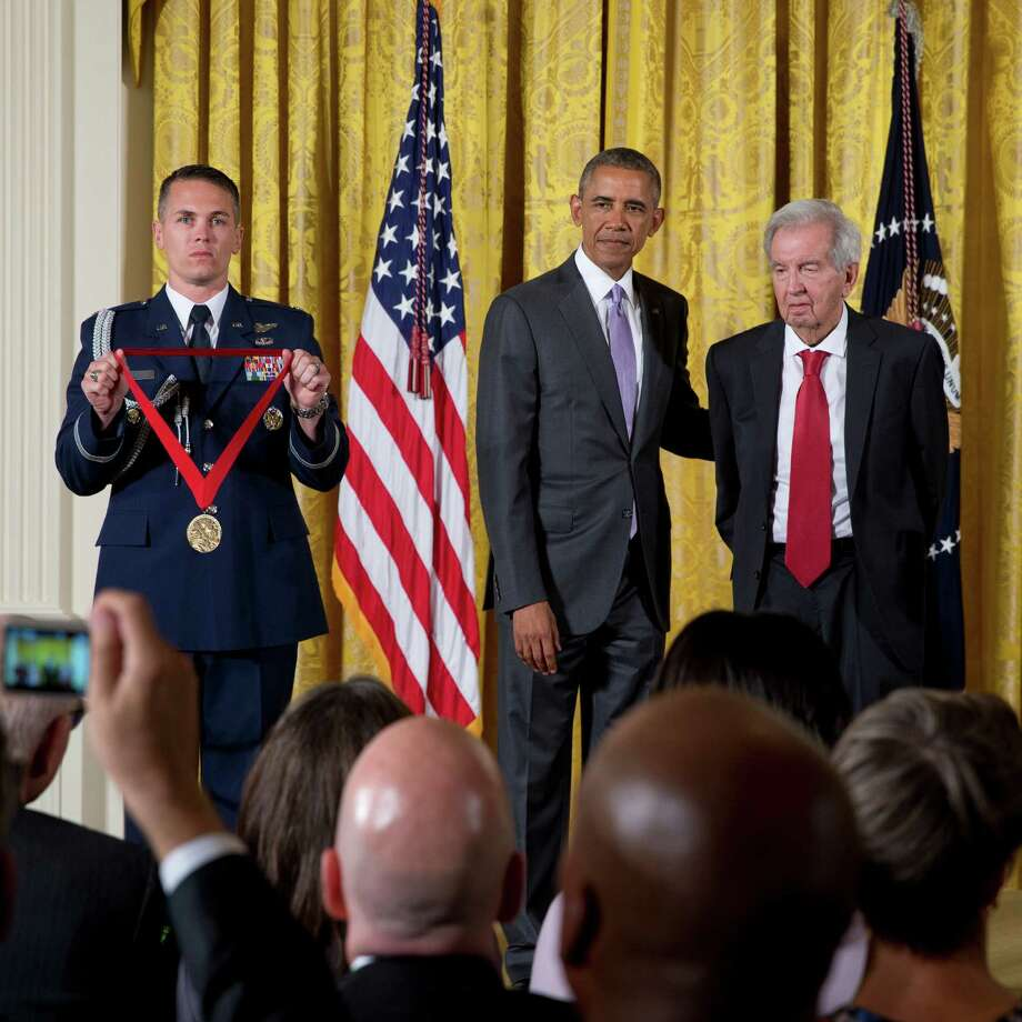 President Barack Obama presents author Larry McMurtry, right, with the National Humanities Medal in the East Room of the White House in Washington, Sept. 10, 2015. Photo: STEPHEN CROWLEY, New York Times / NYTNS
