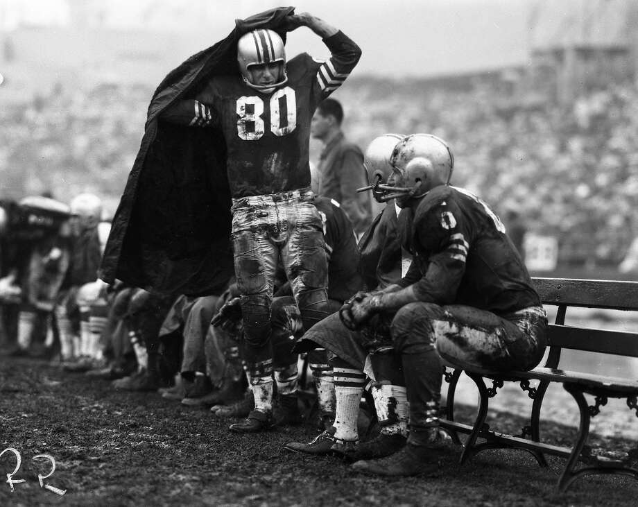 12/10/1960 49ers vs Green Bay Packers, Mertens Clementine (80) Photo: The San Francisco Chronicle