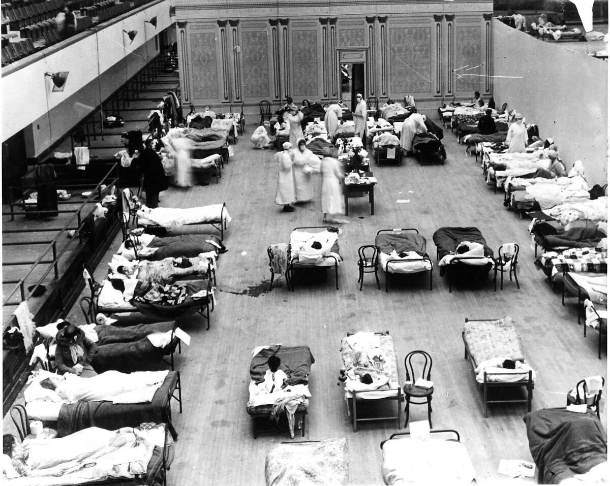 Oakland Civic Auditorium converted to a hospital in response to the spread of the flu in 1918.Credit: Oakland Public Library