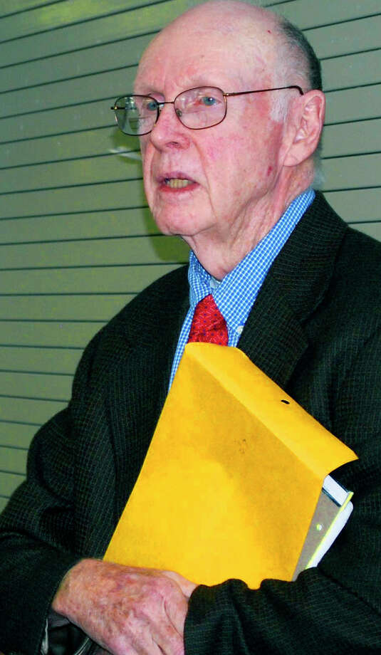 "Former Kent first selectman Eugene ""Rusty"" O'Meara died Wednesday at the age of 84. Photo: File Photo / The News-Times"