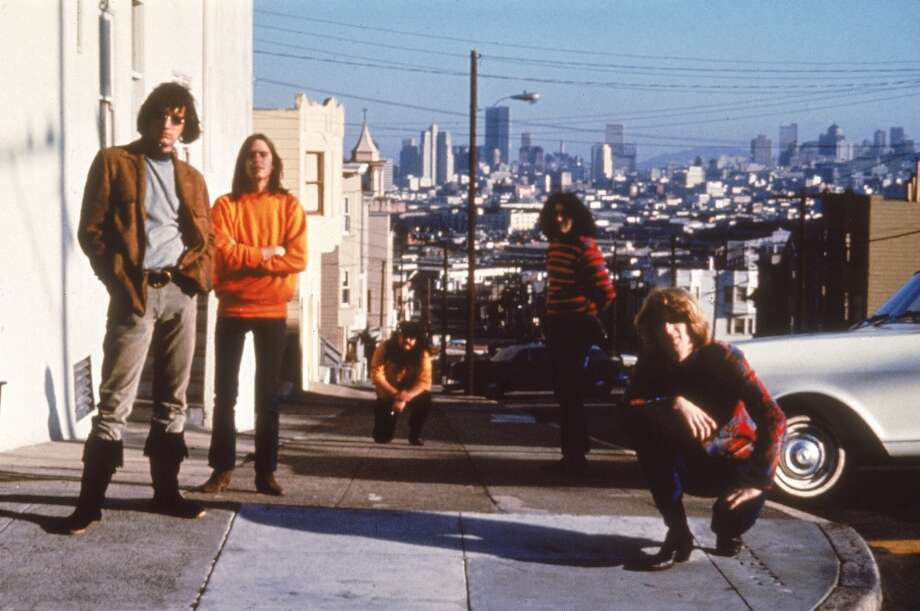 circa 1965: The Grateful Dead pose in San Francisco, California, 1960s. Left to right, Bill Kreutzmann, Bob Weir, Ron 'Pigpen' McKernan, Jerry Garcia and Phil Lesh. Photo: Hulton Archive, Getty Images