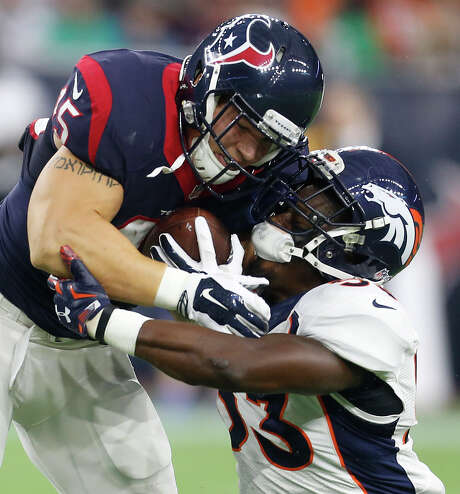 In his fullback role last year, Jay Prosch, left, was a glorified lineman for the Texans. But he was used more as a runner and pass target this preseason. Photo: Karen Warren, Staff / © 2015 Houston Chronicle