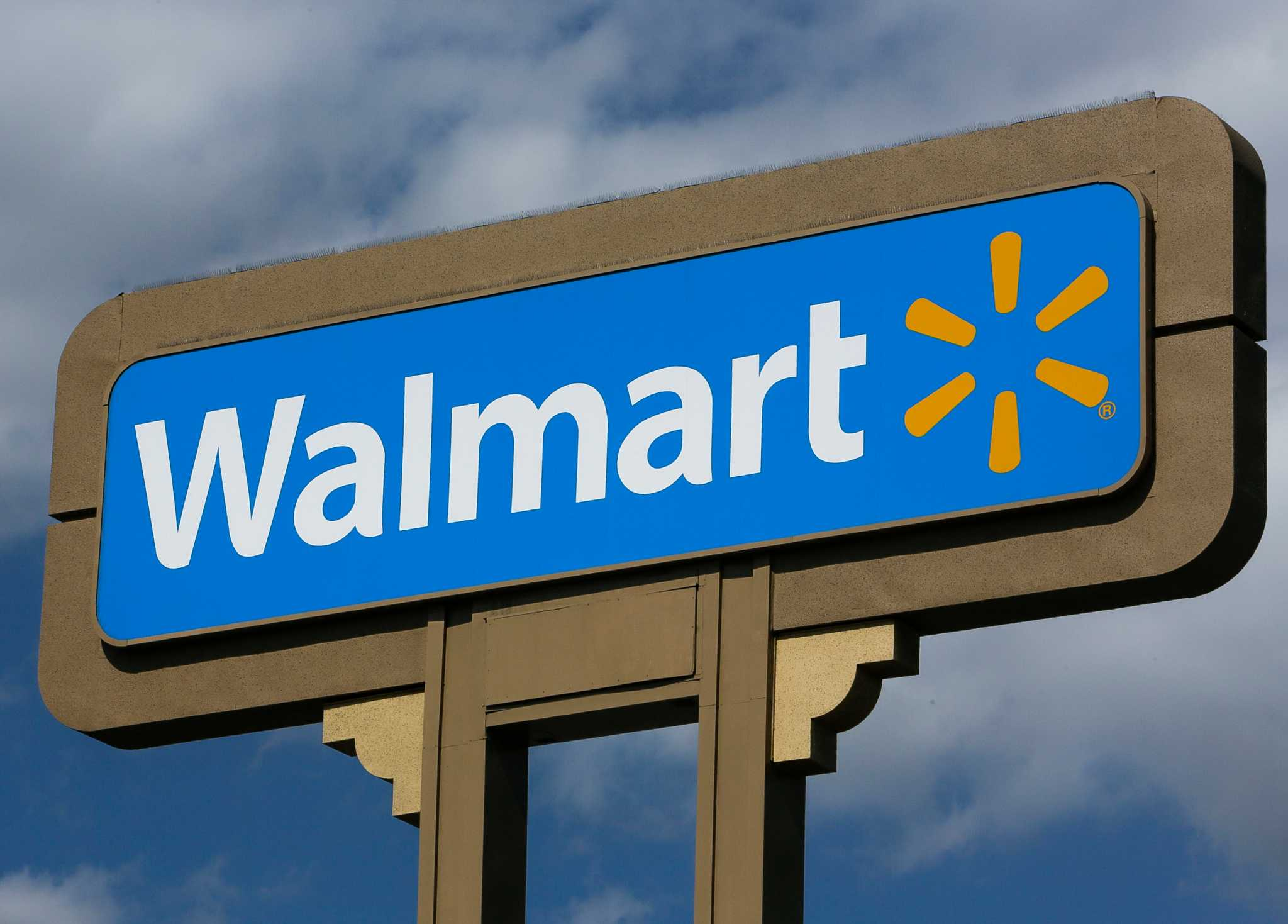 walmart to close stores in houston others across texas walmart to close 2 stores in houston 27 others across texas houston chronicle