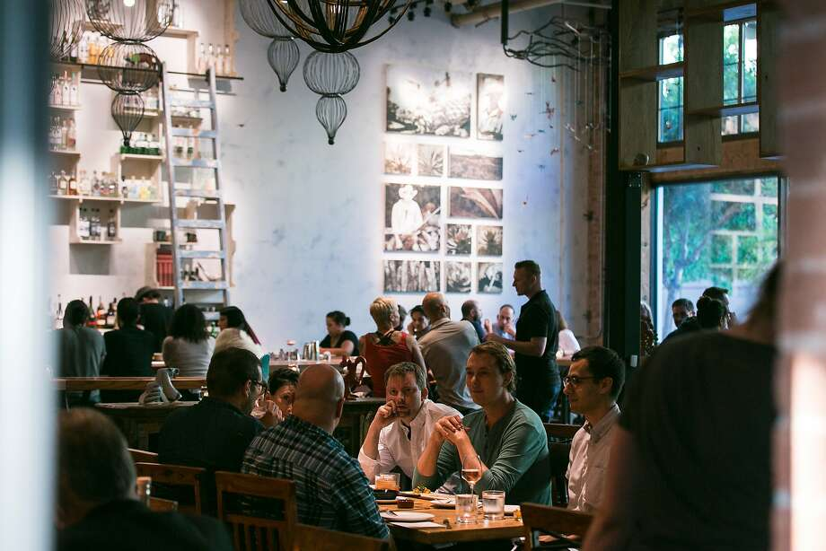 The dining room and bar at Calavera in Oakland. Photo: Jen Fedrizzi, Special To The Chronicle