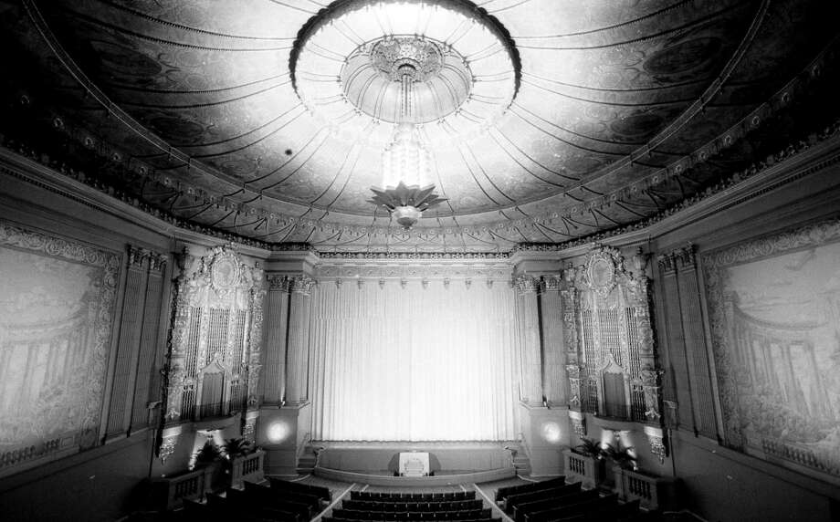 Interior of the Castro Theatre in July of 1984.  Photo: Steve Ringman / Steve Ringman / The Chronicle 1984 / ONLINE_YES