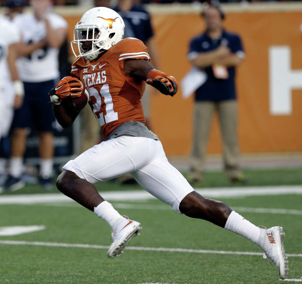 ut sells 1 8 million worth of alcohol in first wet football duke thomas sprints on a return as texas hosts the rice owls at dkr stadium in