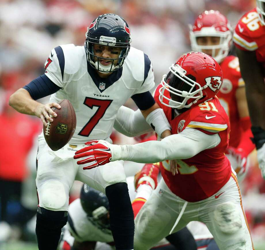 Texans quarterback Brian Hoyer (left) threw a touchdown, but he also had a fumble and interception in Sunday's loss. Photo: Karen Warren /Houston Chronicle / © 2015 Houston Chronicle