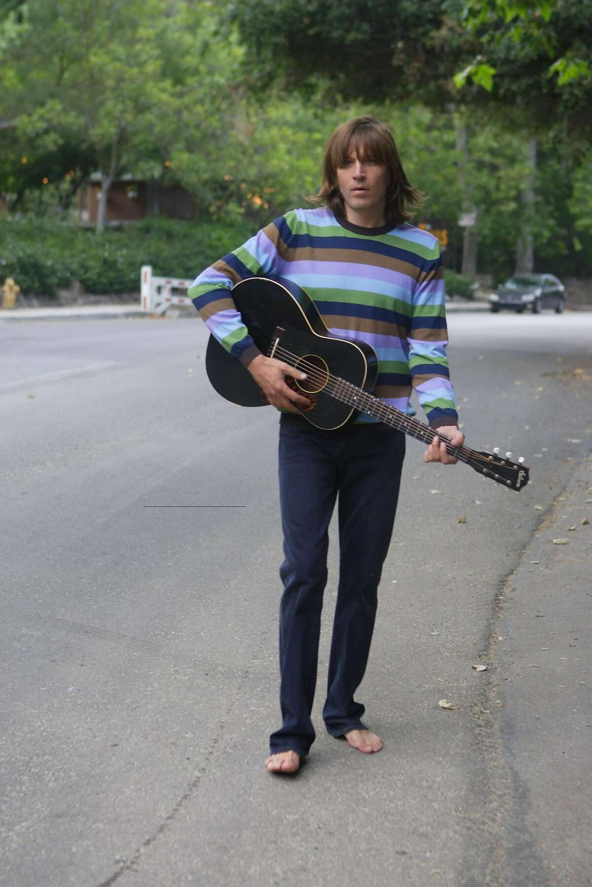 Evan Dando of The Lemonheads Ran on: 11-19-2006 Evan Dando co-founded the Lemonheads in 1986. The band became famous after covering the classic song Mrs. Robinson in 1992.